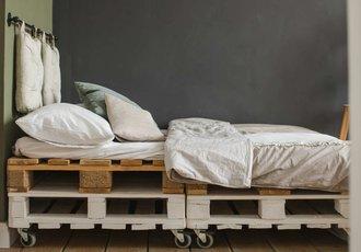 łóżko Z Palet Jak Zrobić Krok Po Kroku Building